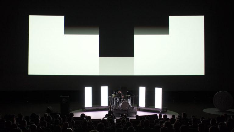 Big Data Spain show batería y pantalla kinépolis